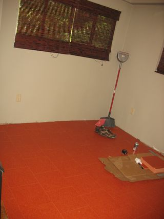 Orange_floors_and_countertops 003