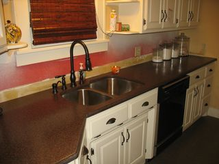 Orange_floors_and_countertops 005